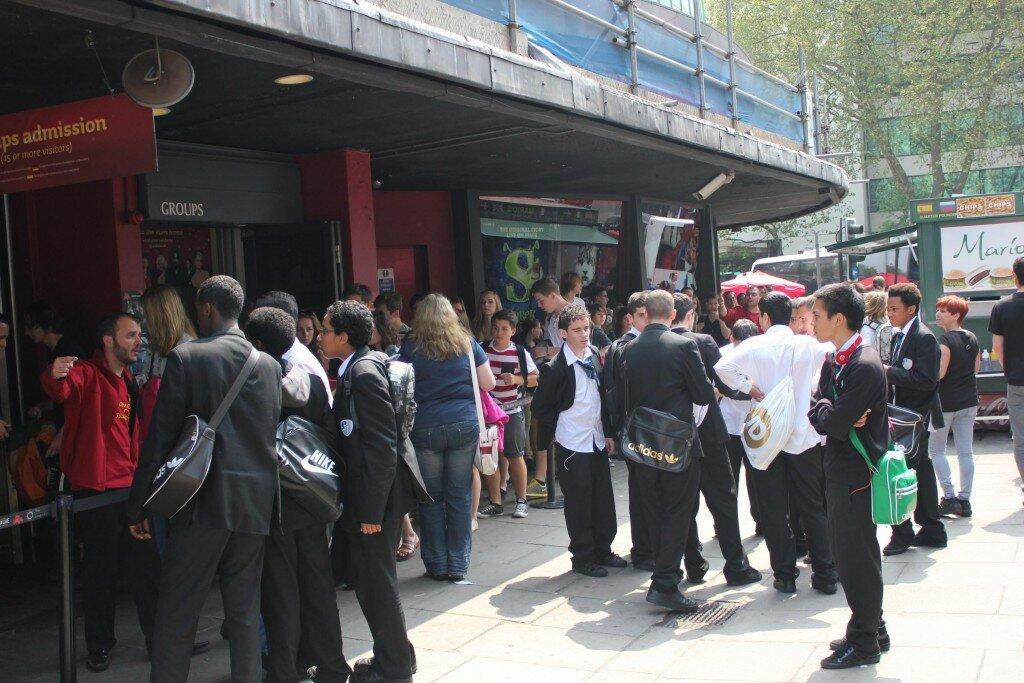 Evite ir em dias de semana durante a manhã, pois muitas escolas realizam passeios no museu
