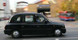 Já pensou em conhecer Londres de táxi?