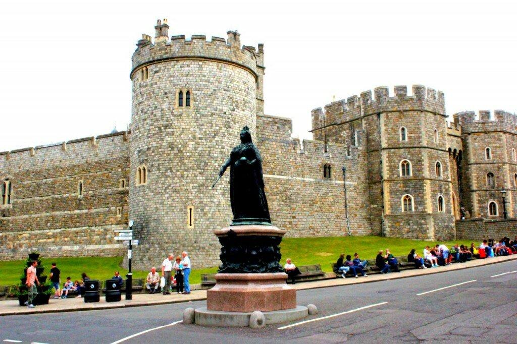 Foto tirada em Windsor, a apenas uma hora de Londres e onde fica o Castelo de Windsor, residência oficial da monarquia britânica e casa da Rainha Elizabeth II aos fins de semana. Foto: Gustavo Heldt, Mapa de Londres