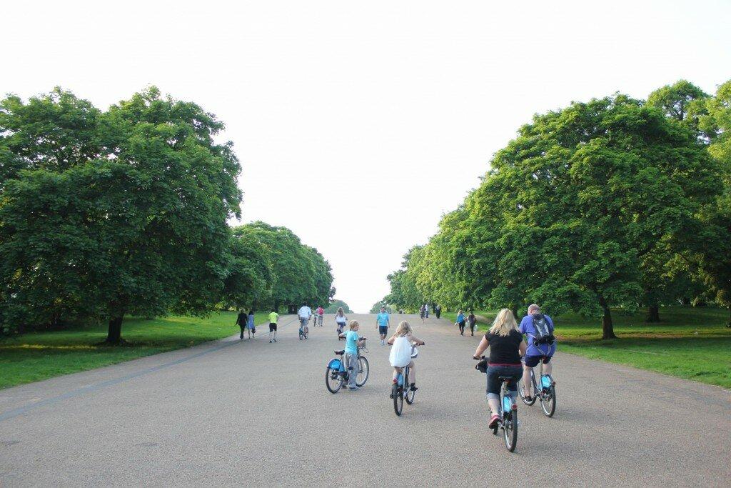 Que tal um passeio de bicicleta no Kensington Gardens?