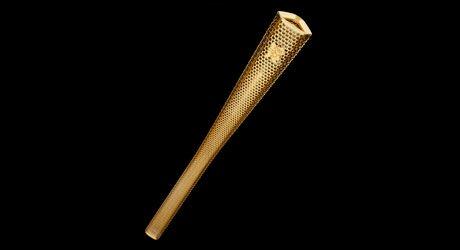8 mil britânicos carregarão a tocha dos Jogos Olímpicos de Londres