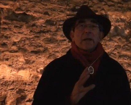 Donald Rumbelow é considerado o maior especialista em Jack, o Estripador do mundo. É dele um dos livros mais completos sobre o assunto, The Complete Jack The Ripper. Rumbelow já...
