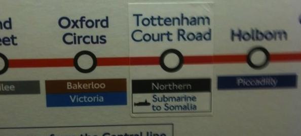 Placas rebeldes no metrô de Londres