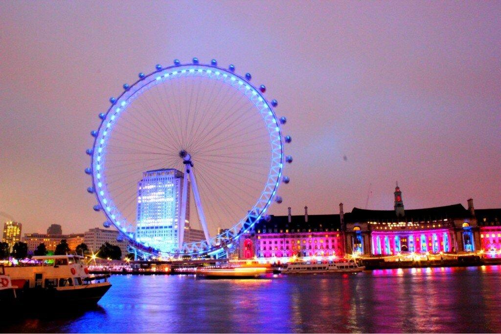 À noite, a London Eye se ilumina. Foto: Mapa de Londres
