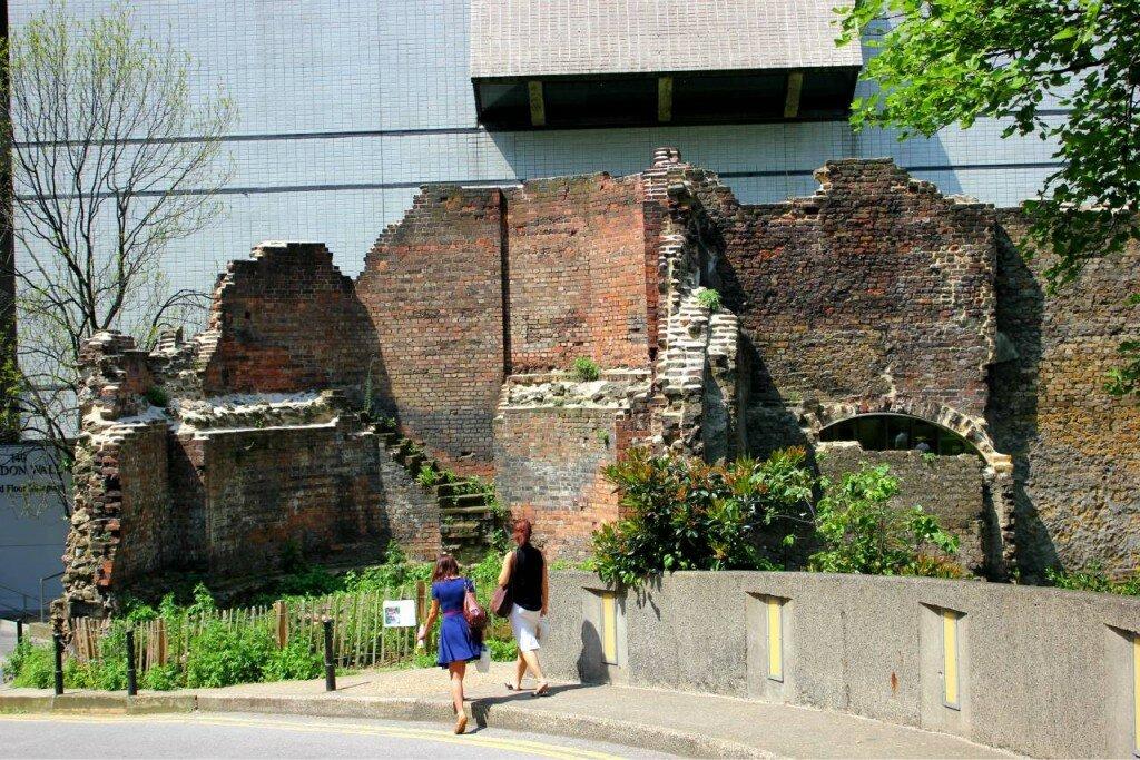 London Wall perto do Museu de Londres. Fotos: Mapa de Londres