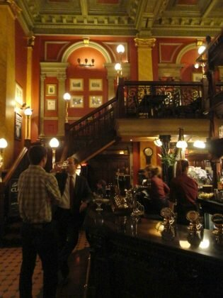 Pub: The Old Bank of England