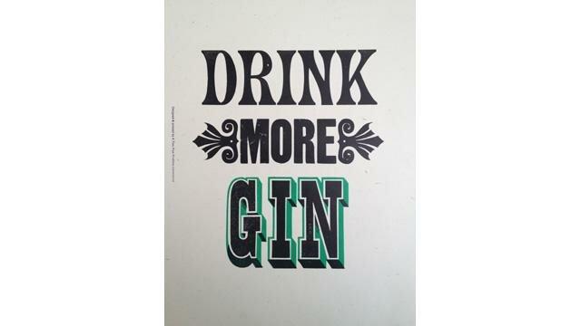 Reprodução de Drink More Gin, de Stephen Kenny