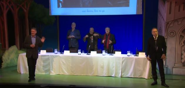 Monty Python na conferência para a imprensa. Foto: Divulgação