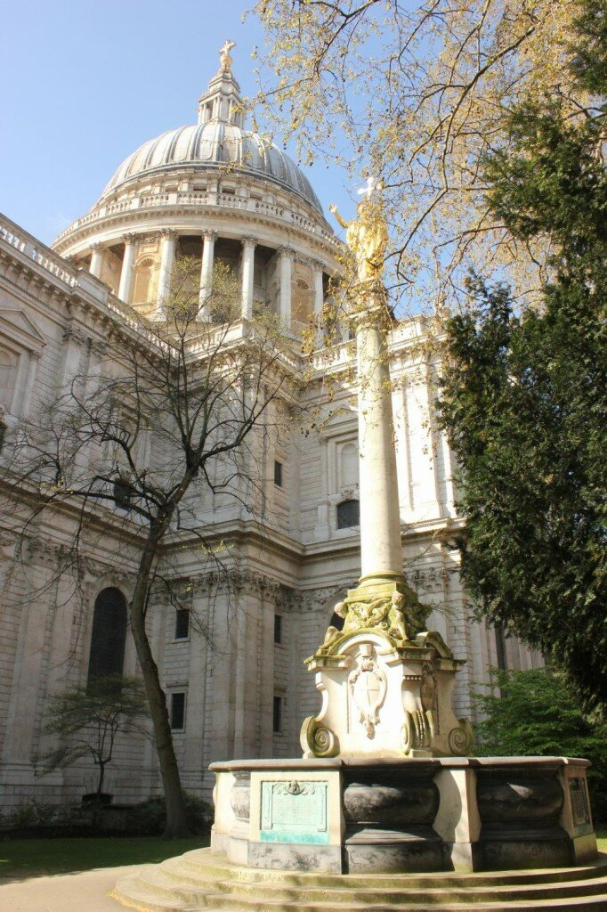 St Paul's Cathedral na primavera
