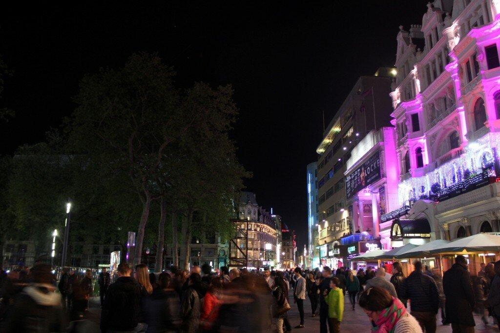 Leicester square à noite - Mapa de Londres