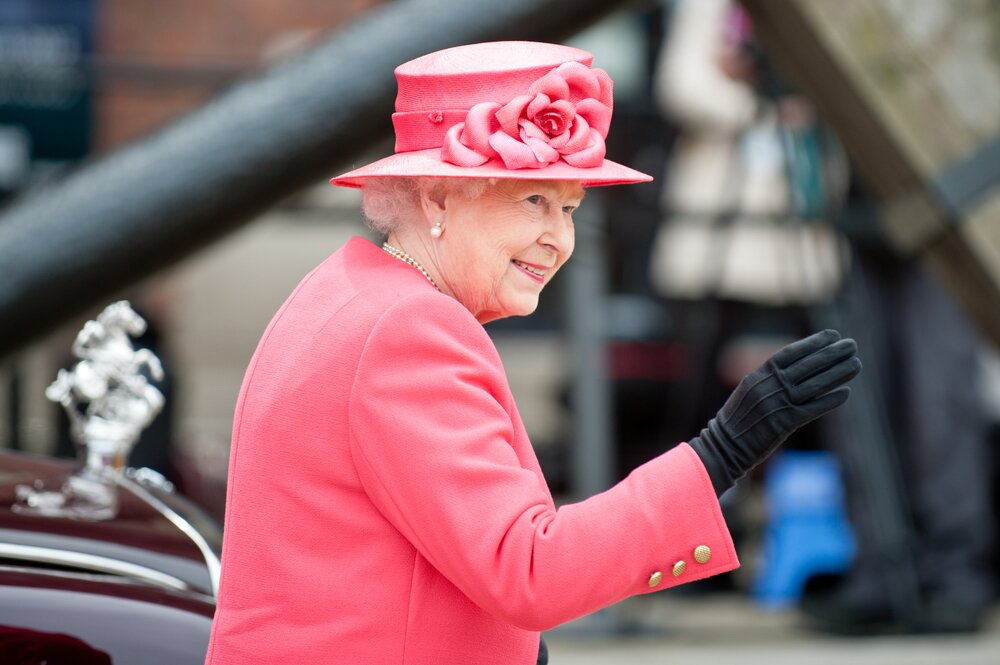 Rainha Elizabeth dá garantia Real a produtos que utiliza. Foto: Shaun Jeffers, Shutterstock