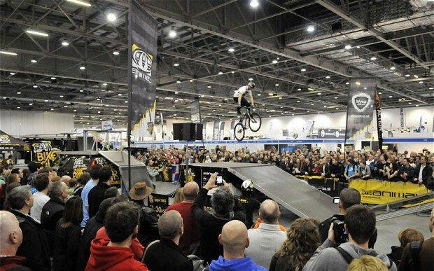 Atração reúne milhares de pessoas aficcionadas por bikes. Foto: thelondonbikeshow.com