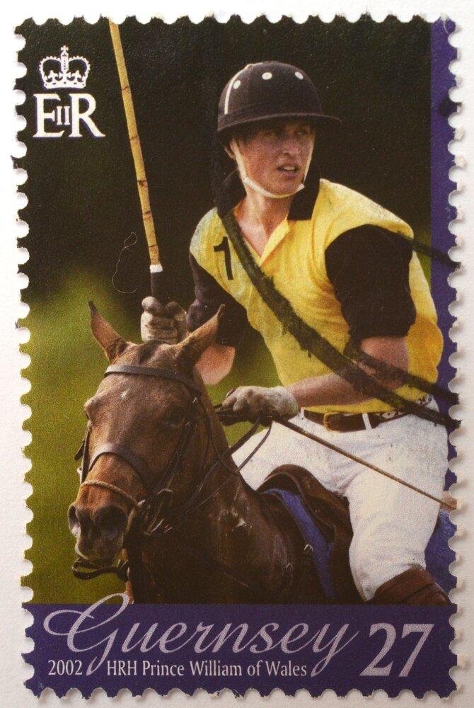 Selo do Reino Unido em 2002 traz a imagem de William praticando polo. Foto: Shutterstock