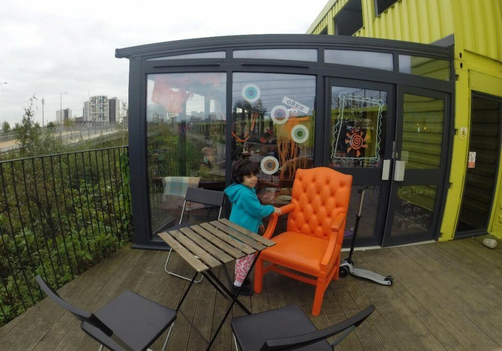 Moka Café - View Tube