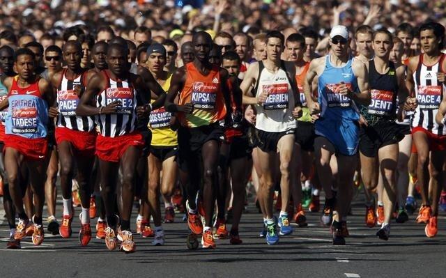 Competidores na edição da maratona de 2013. Foto: Divulgação