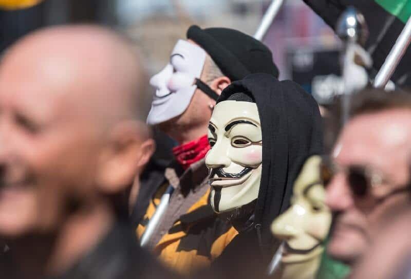 Protesto com a máscara de Guy Fawkes, V de Vingança