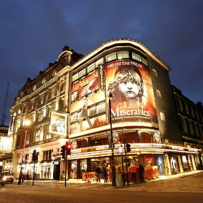 London Queen's Theatre