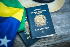 2 Passaportes brasileiros