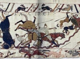 Bayeux_Tapestry_Horses_in_Battle_of_Hastings_Publico