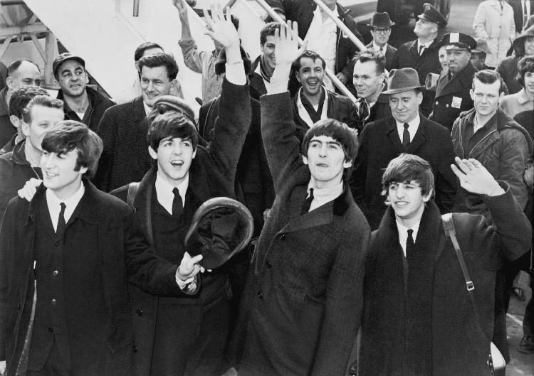 The_Beatles_in_America_publico